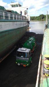 Limpeza de navio em Triunfo - RS