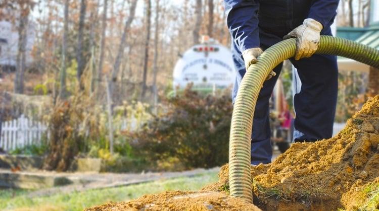 realizar limpeza de fossa preventivamente em porto alegre advento desentupidora de fossa