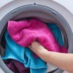use a máquina de lavar somente quando estiver totalmente cheia
