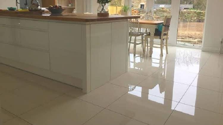 como limpar piso porcelanato encardido